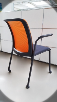 Steelcase - Eastside - Besucherstuhl - mobil - schwarz/orange